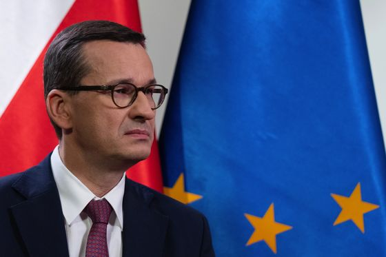 Hungary and Poland Unbowed Over EU Budget Deal as Showdown Looms