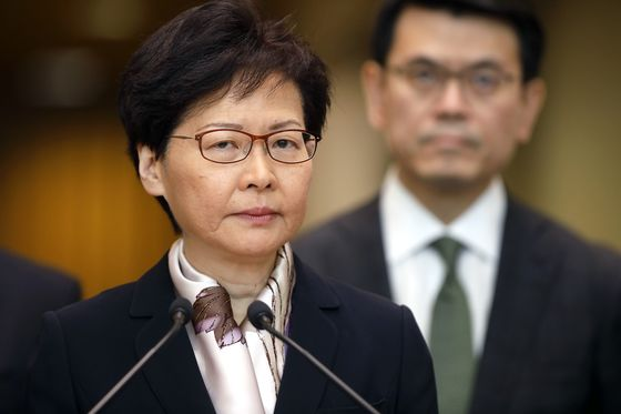 China Calls on Hong Kong People to Oppose Violent Protesters
