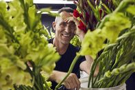 relates to Meet Jeff Leatham, the Florist Beloved by Royalty and the Kardashians