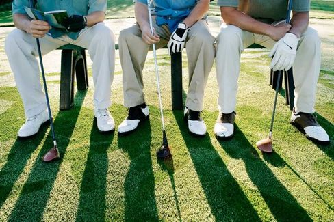 Golf, Networking, and a Happy Hour: The Week in Business Schools