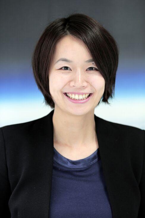 Lena Okajima.