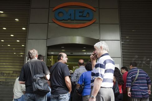 Greek Unemployment Rate Rose in August as Recession Deepened
