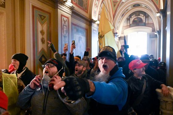 Oath Keeper in Capital Riot Pleads Guilty, Will Cooperate