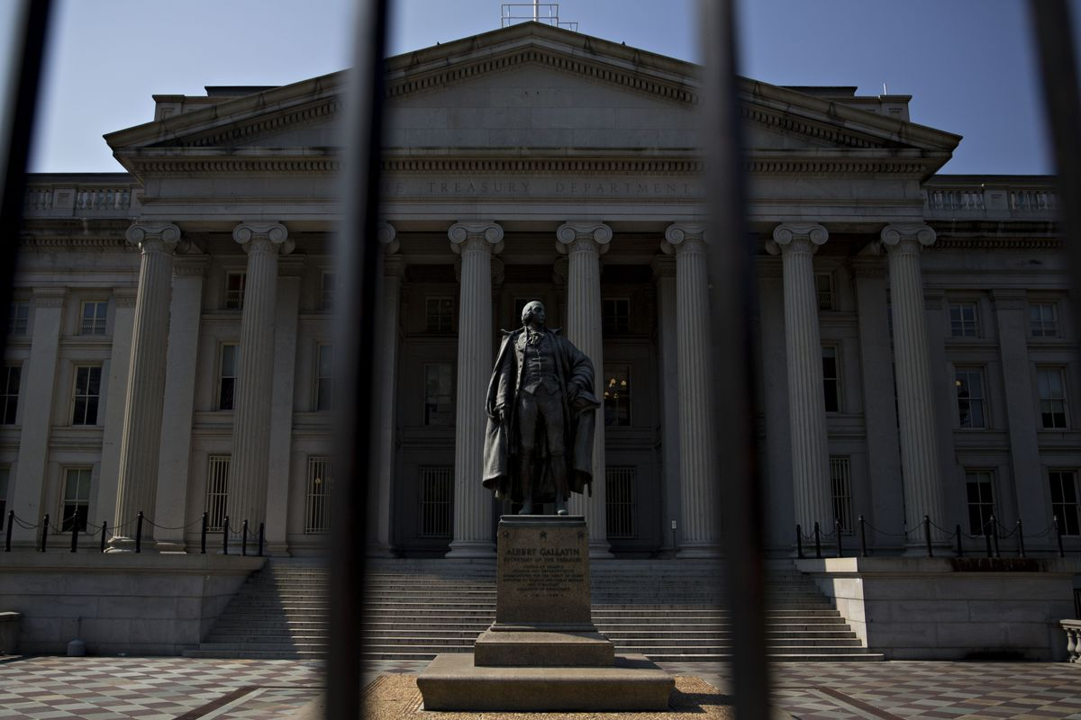 Treasury Bulls' Grip on Market Tightens, Spoiling Sell-Off Calls