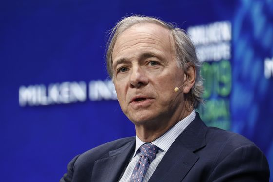Dalio Outlines Possible Trump Path to Limit Capital to China