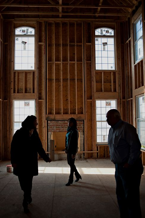 Immigrant Dreams to Keep Sparking U.S. Housing Recovery