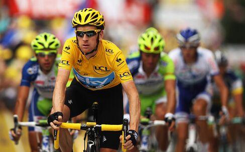 Wiggins Keeps Tour de France Lead as Tack Sabotage Causes Chaos