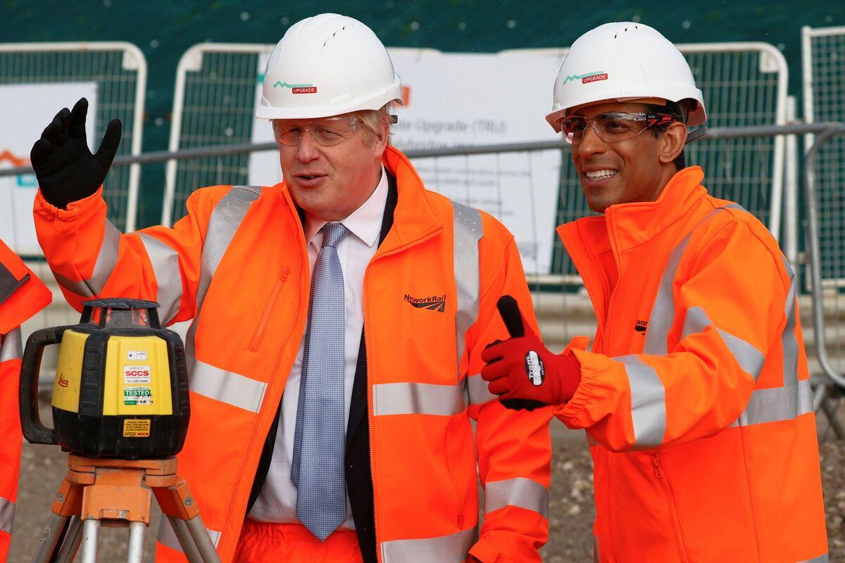 Rishi Sunak Is Playing a Risky Game With Boris Johnson