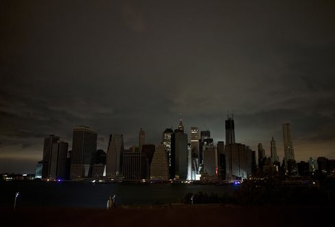 Towers of Doom Trap Homebound New Yorkers as Sandy Cuts Power