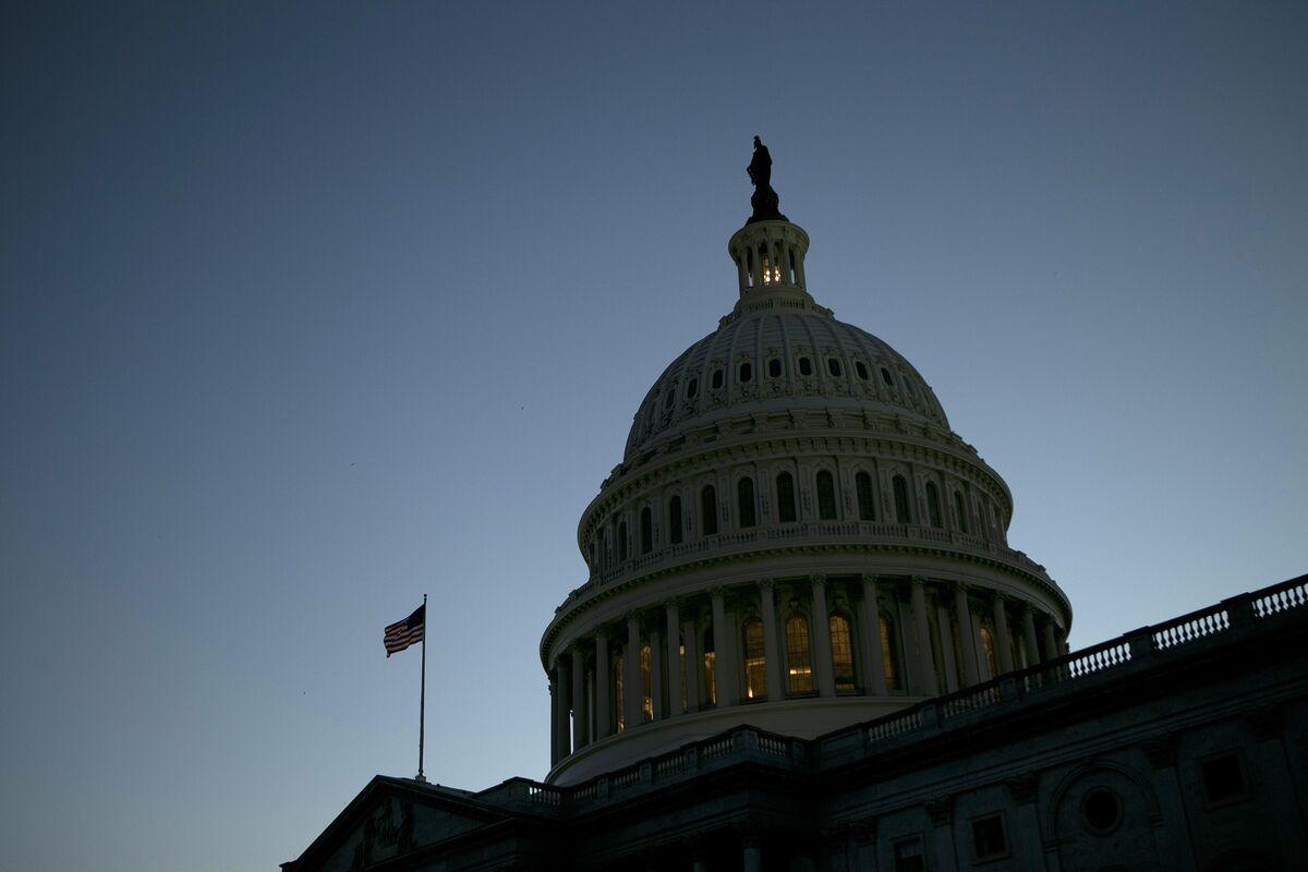 Senate Democrats Block GOP Funding Plan as Shutdown Kicks In
