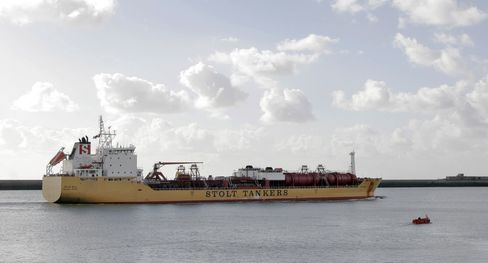 Shrinking Chemical Fleet Boosts Stolt as Dow Cuts Jobs
