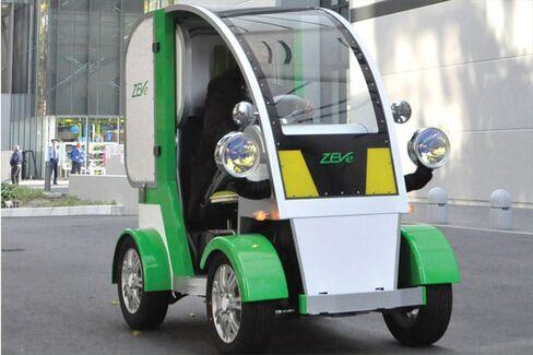 Japan Tries Cars That Make the Mini Look Maxi