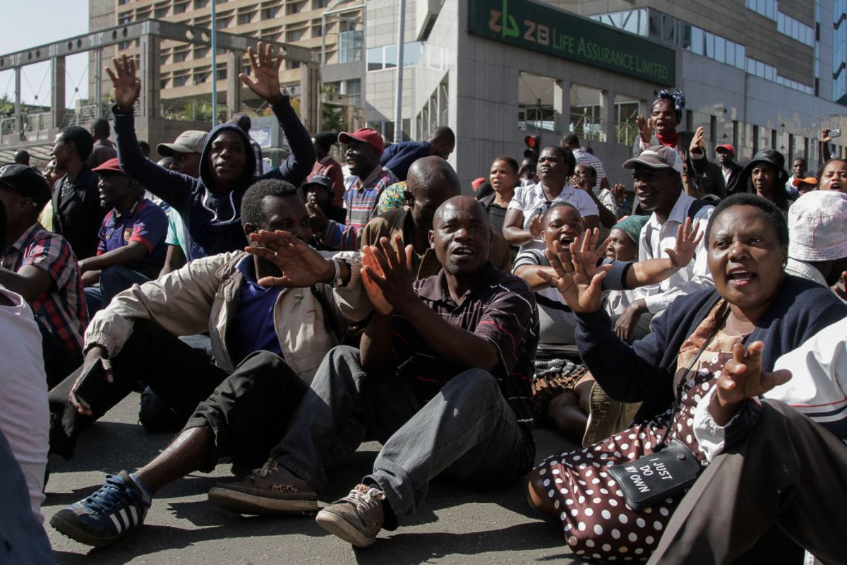 Southern Africa Leaders Call for End to Zimbabwe Sanctions