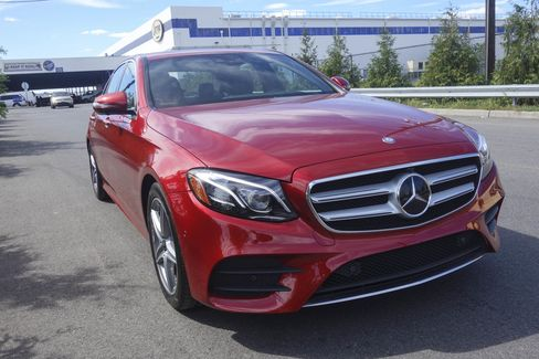The 2017 Mercedes-Benz E300 hits 60 miles per hour in 6.3 seconds; top speed is 130mph.