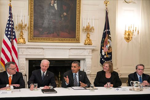With Obama, CEOs Pledge to Stop Ignoring the Long-Term Unemployed
