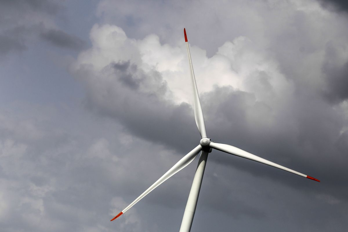 Clean Power Sees First Win Over Fossil Fuels in Emerging Markets