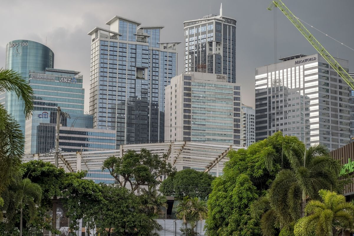 Megaworld Says Online Casino Exposure to Stay Small, Manageable