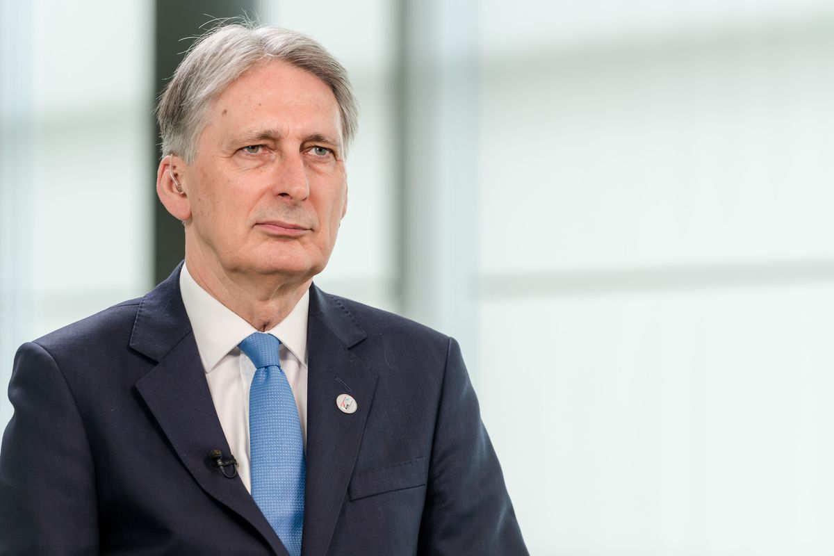 Hammond to Johnson: Apologize for Blaming Us for Brexit Leak