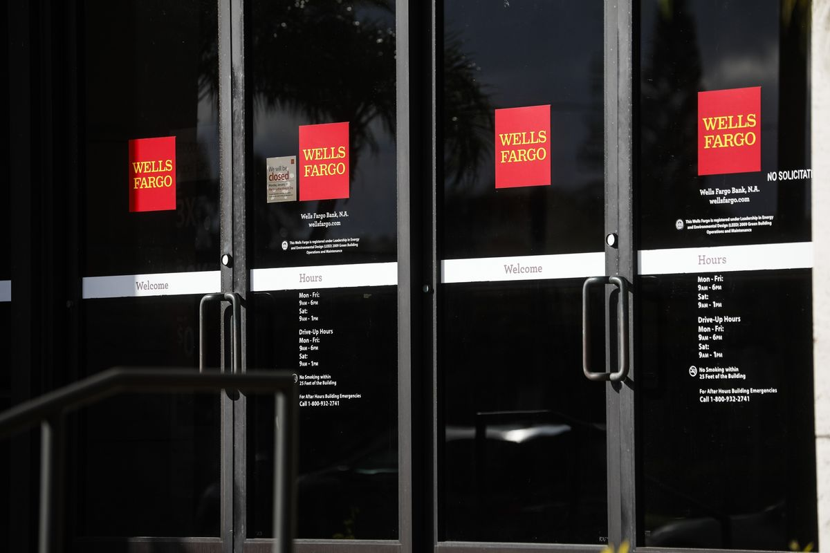Frozen Wells Fargo Bonuses Show a Peril for Bankers After Crisis thumbnail