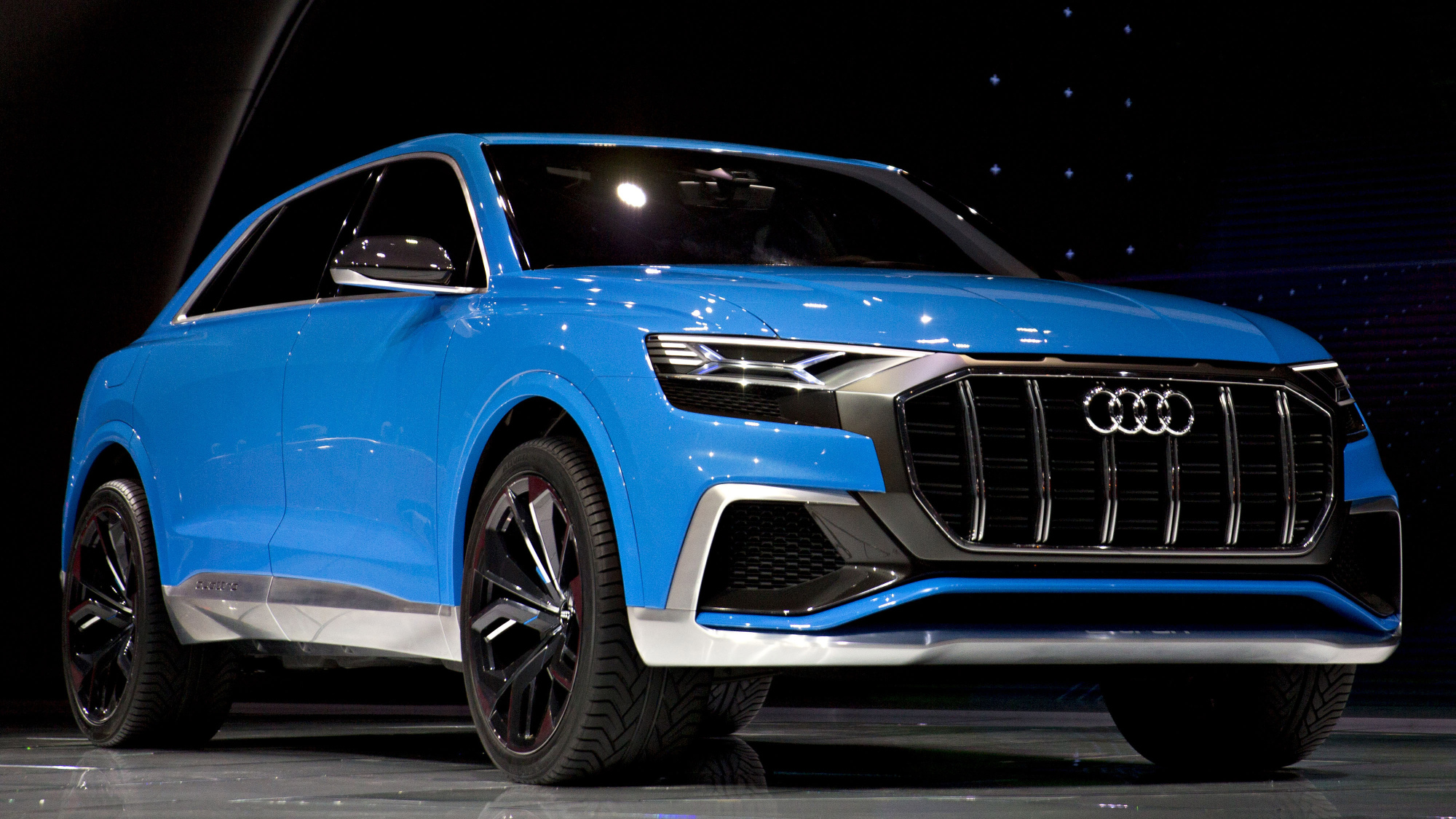 audi q8 suv at detroit price specs electric hybrid plug in bloomberg. Black Bedroom Furniture Sets. Home Design Ideas
