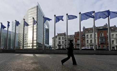 Euro-Area Manufacturing, Services Shrink as Debt Crisis Worsens