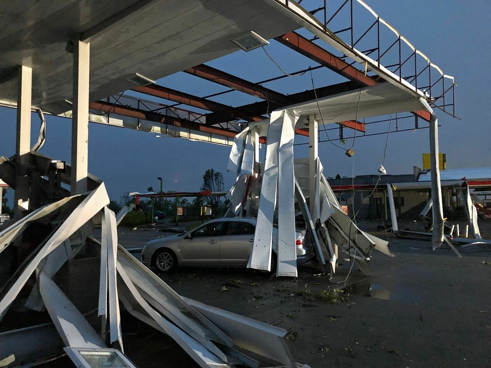 Missouri Tornado Kills Three, Just After 'Shelter Now' Tweeted