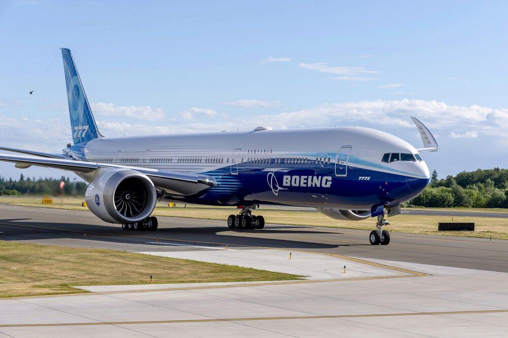 (VIDEO) BOEING 777 X: Poletio najveći dvomotorni putnički avion ikada napravljen, može primiti 426 putnika…