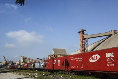 Brazil $42 Billion Rail Bet to Cut Iron Ore-Farm Costs