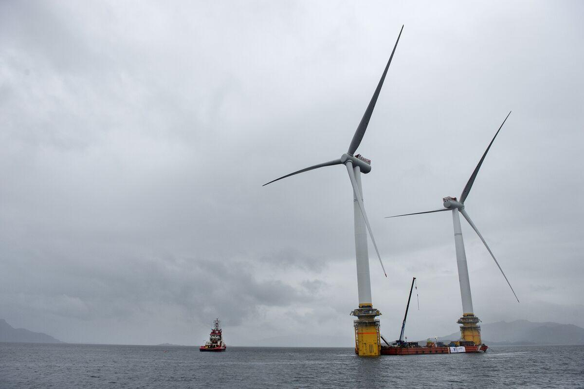 Floating Wind Farm Developer Seeks New Funding for Bigger Scale