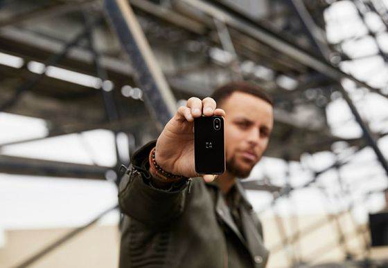 Palm Plans Comeback With Tiny Phone, Stephen Curry Endorsement
