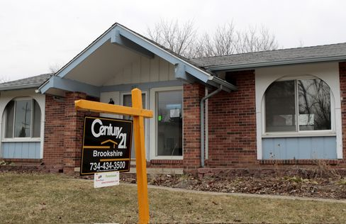 U.S. Home Prices Probably Slumped on Distressed Properties