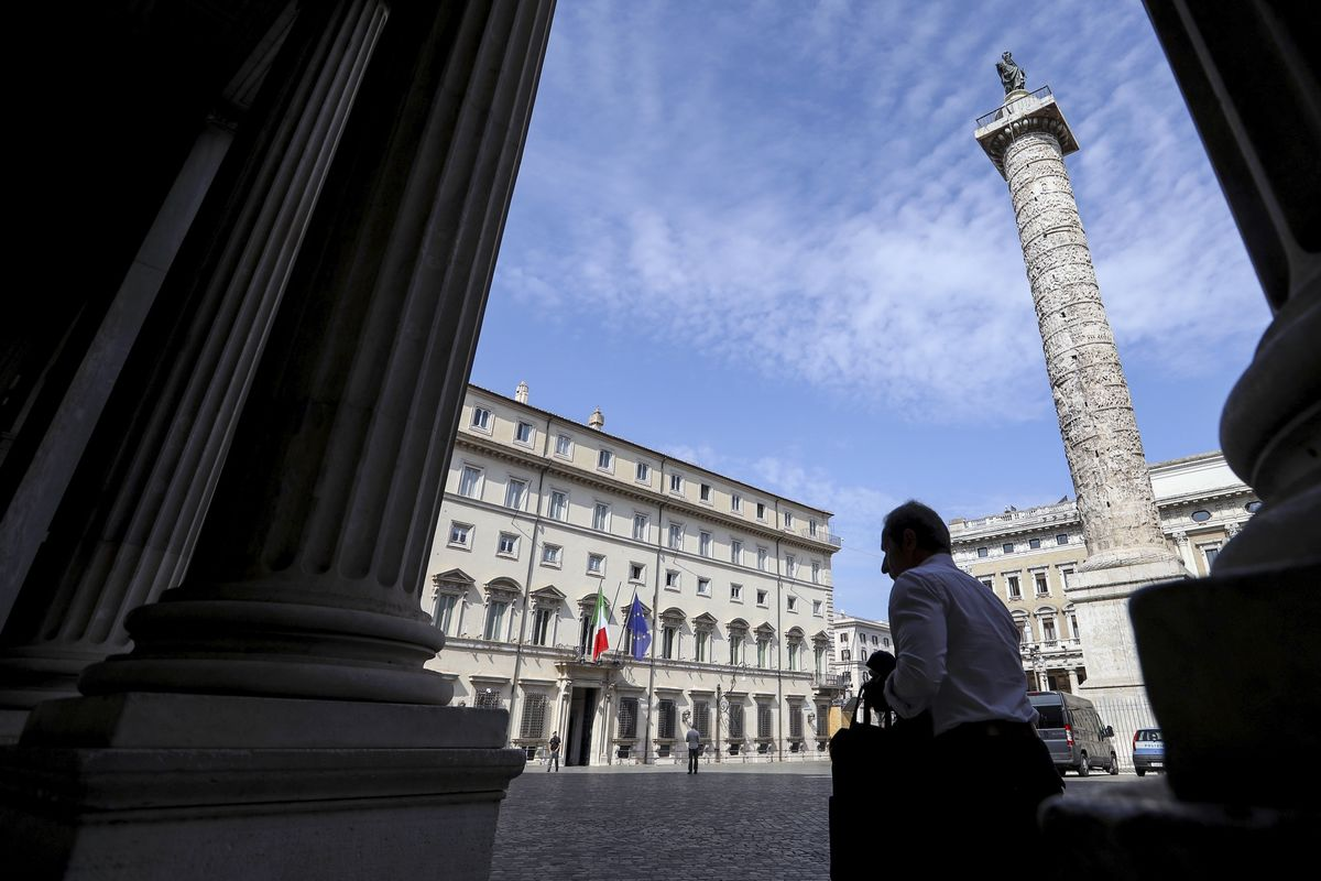 Italian Bonds Rally as Five Star Expected to Approve New Coalition