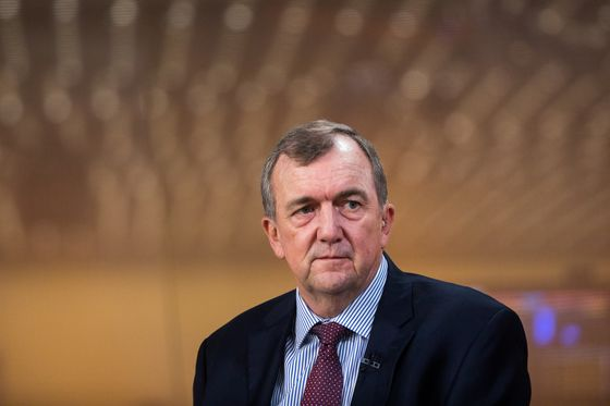 Barrick CEO Says Cuts to Take Miner Beyond Thornton's Path