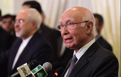 Pakistan's de Facto Foreign Minister Sartaj Aziz