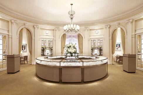 The Princess Grace salon.