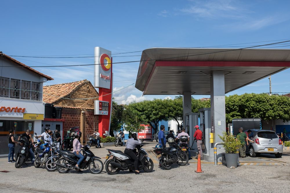 Trump Sanctions Cripple Colombian Fuel-Smuggling Racket - Bloomberg