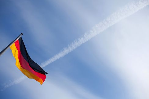 German Government Bonds Fall a 2nd Day Before 30-Year Debt Sale