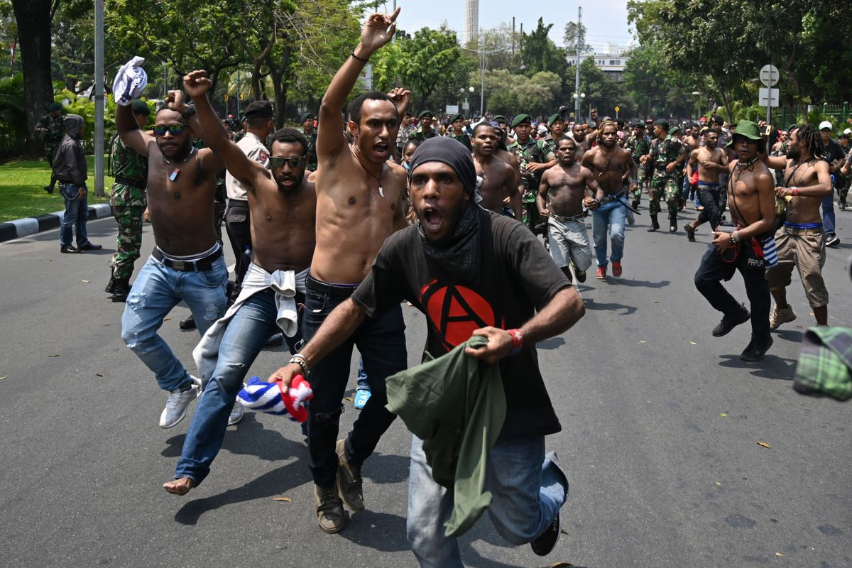 Indonesia Extends Mobile-Data Blockage in Papua After Riots