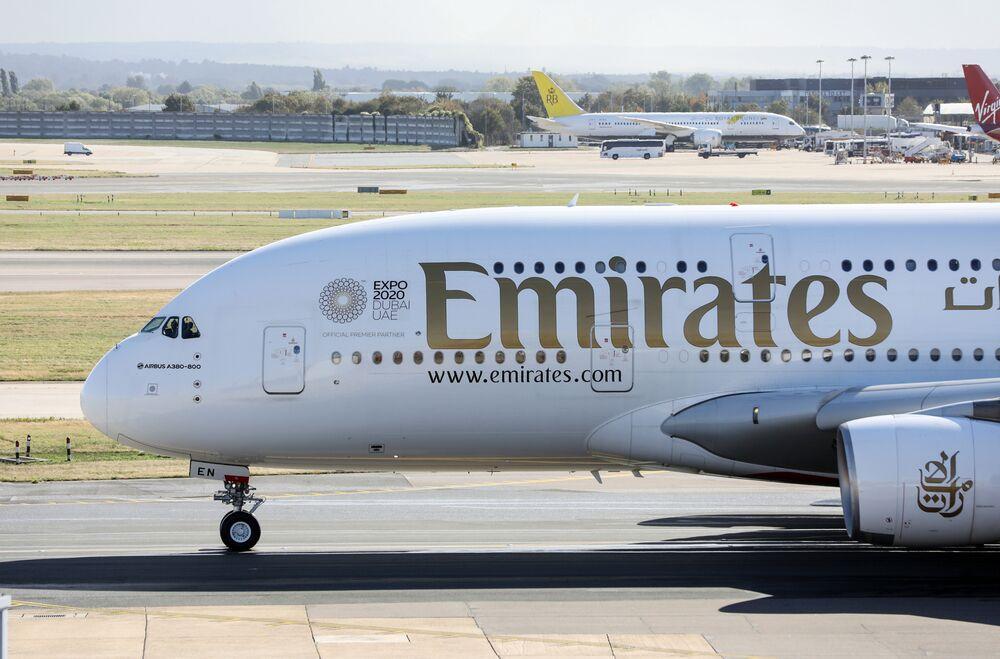 Emirates Suffers Profit Hit as Oil Swings Beyond Sweet Spot