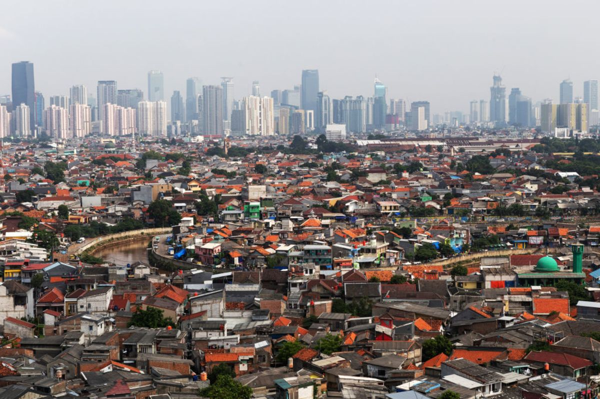 Asia Should Fix Its Megacities, Not Move Them