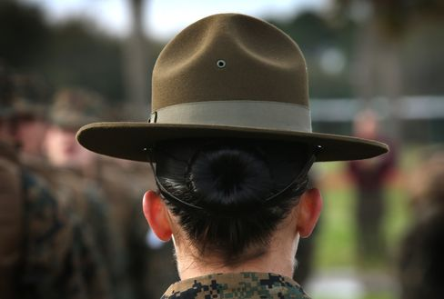 U.S. Military Services to Admit Women to Front-Line Combat Jobs