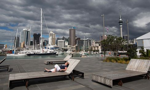 N.Z. Projects 2015 Surplus as Christchurch Rebuild Boosts Growth