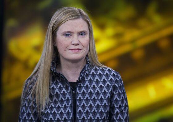 JPMorgan Names Jennifer Piepszak CFO as Marianne Laketo Run Consumer Lending