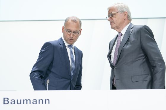 Investor Revolt at Bayer to Escalate After CEO Keeps His Job