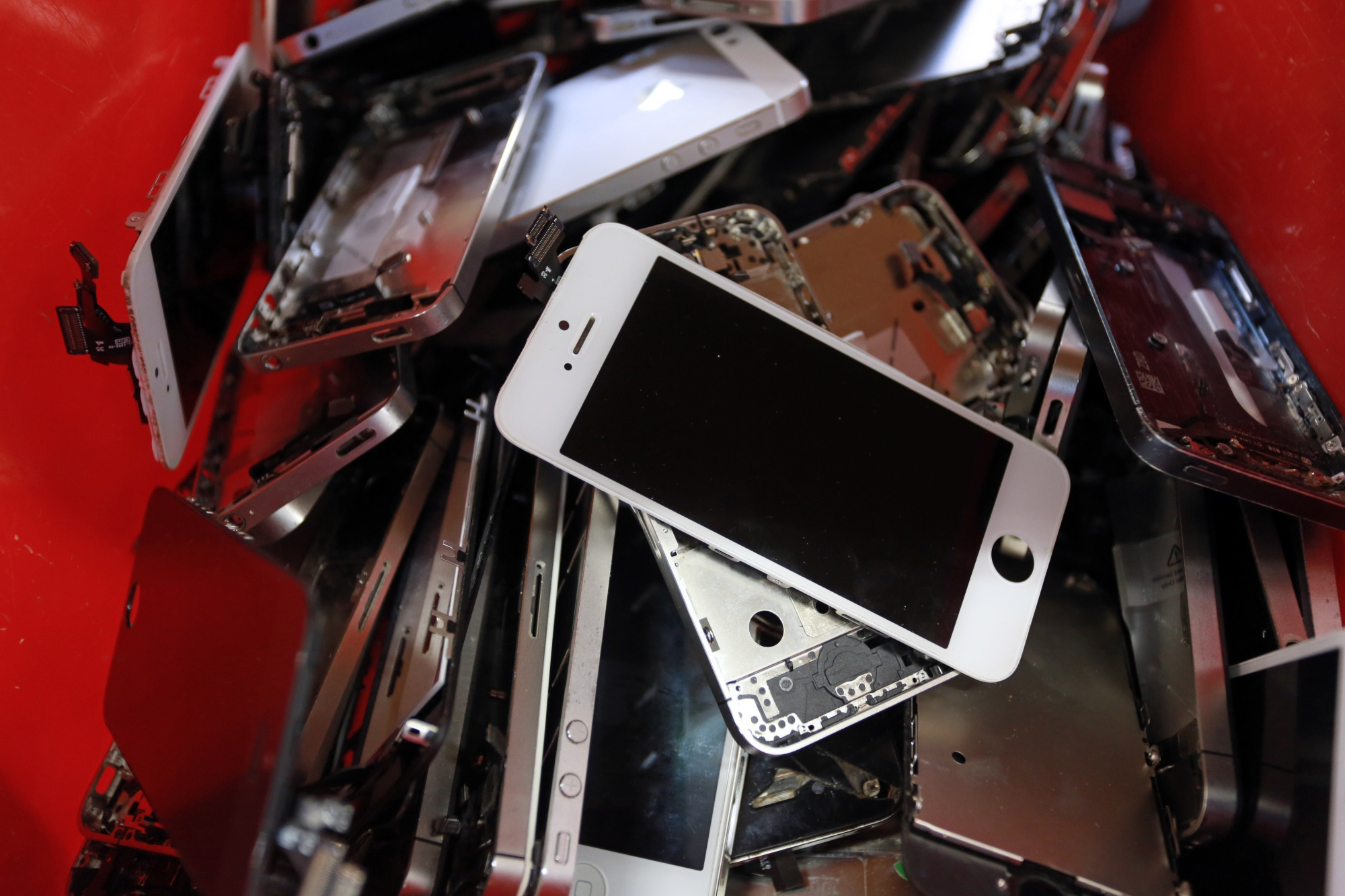 Banning Us Used Smartphone Exports Wont Fix Security Threat Automotivepictures 4163321997sc1alternatorwirediagram1jpg Bloomberg