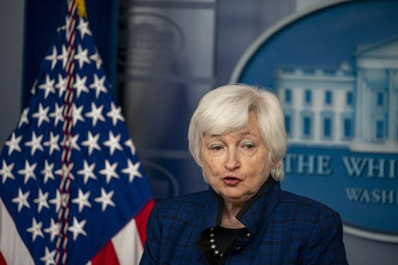 Yellen Gets Specific on Inflation, Saying It Will Last Through 2021