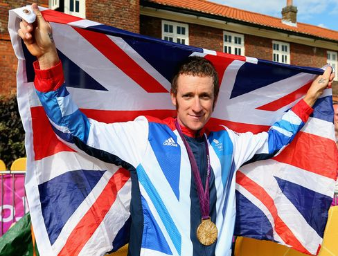 Wiggins Wins Olympic Gold Medal; Badminton Players Expelled