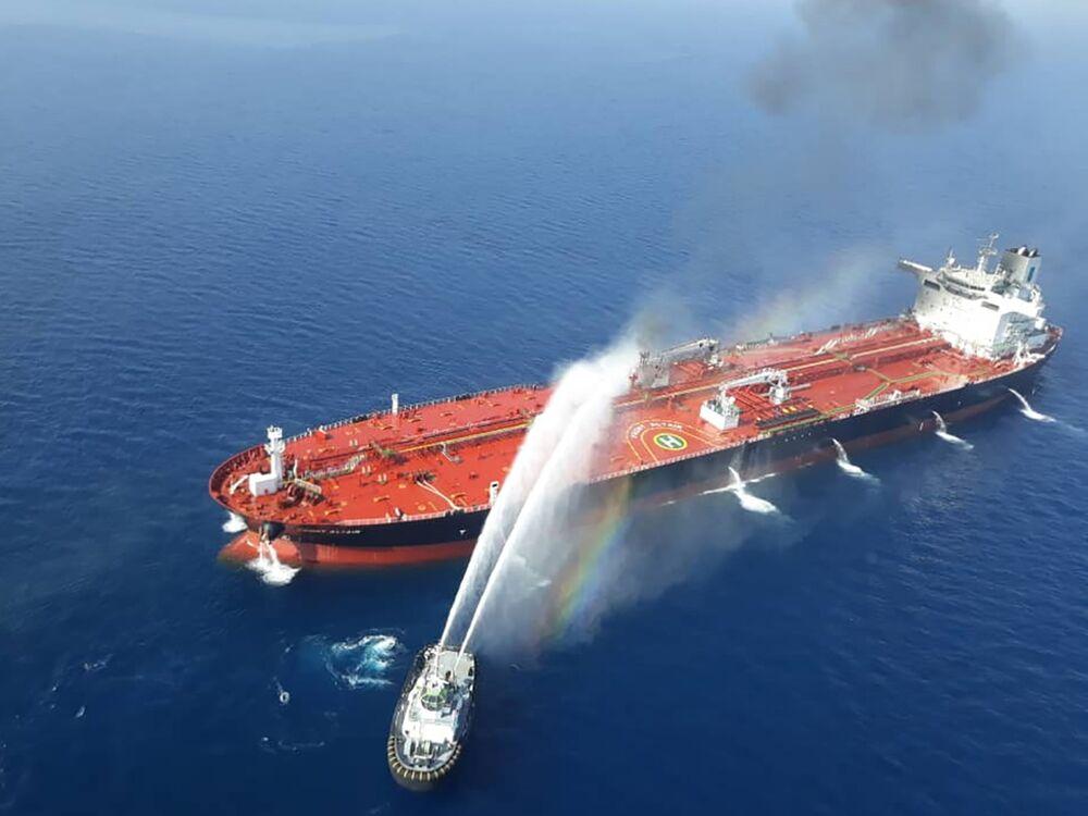 War Risk Insurance Spirals Higher for Middle East Tankers - Bloomberg