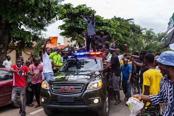 Nigerian Protests Over Police Killings Draw Warning From Buhari