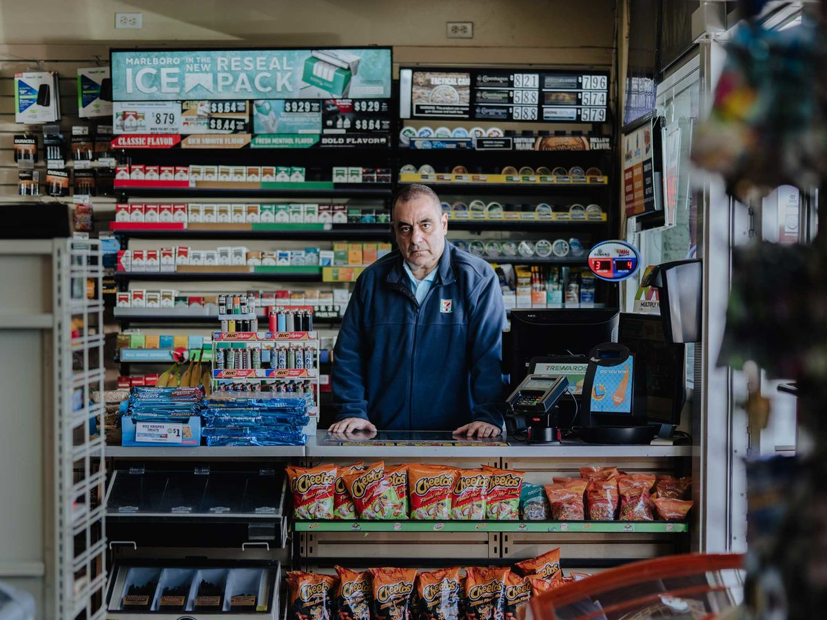 7-Eleven Is at War With Its Own Franchisees Over ICE Raids - Bloomberg